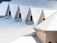 What is the best color for a metal roof?